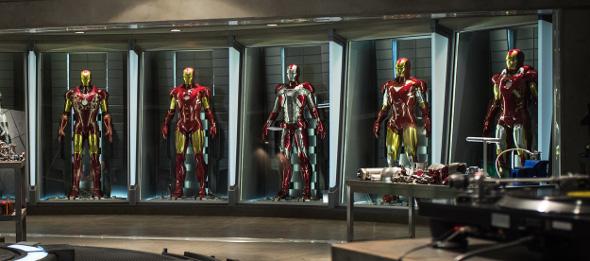 figures/iron-man-3-movie-suit.jpg